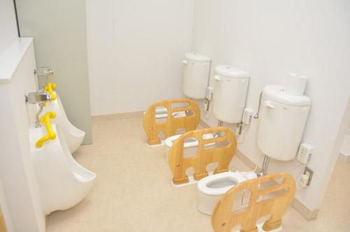 上水保育園清水分園施設写真(トイレ)